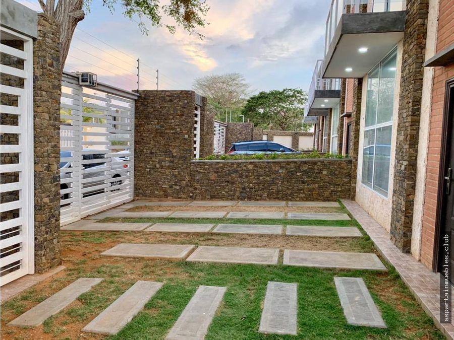 town house moderno costa azul venta margarita