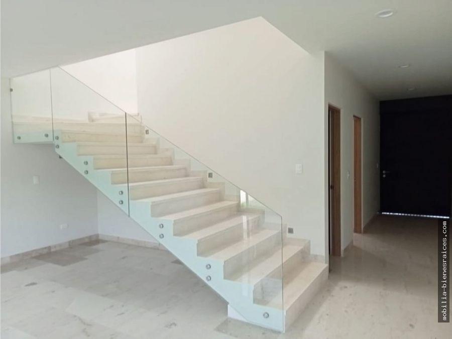 venta hermosa casa lomas del campanario 8315000