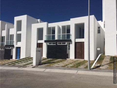 renta casa priv 3 rec y terraza en zibata 10500
