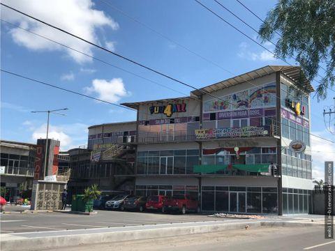 venta o renta local plaza terranova corregidora qro