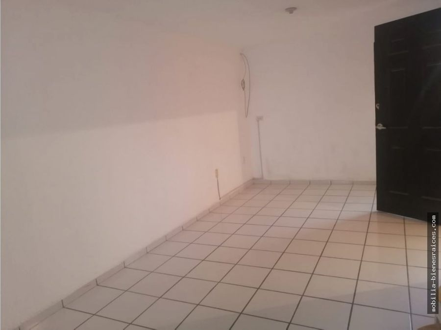 casa renta 3 recamaras 1 piso 6000