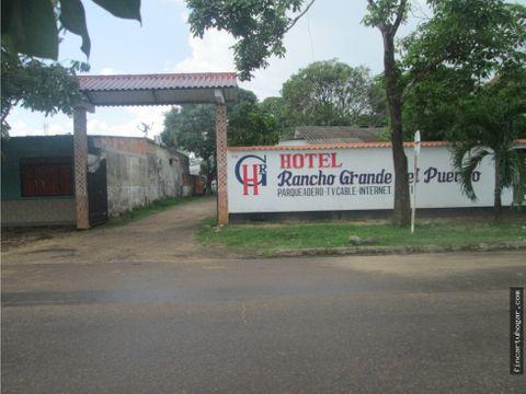 venta terreno antiguo hotel en el centro de puerto lopez meta