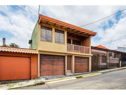 se vende casa uso mixto en alajuela centro