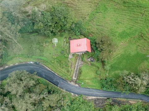 se vende casa de montana unica en carrizal alajuela