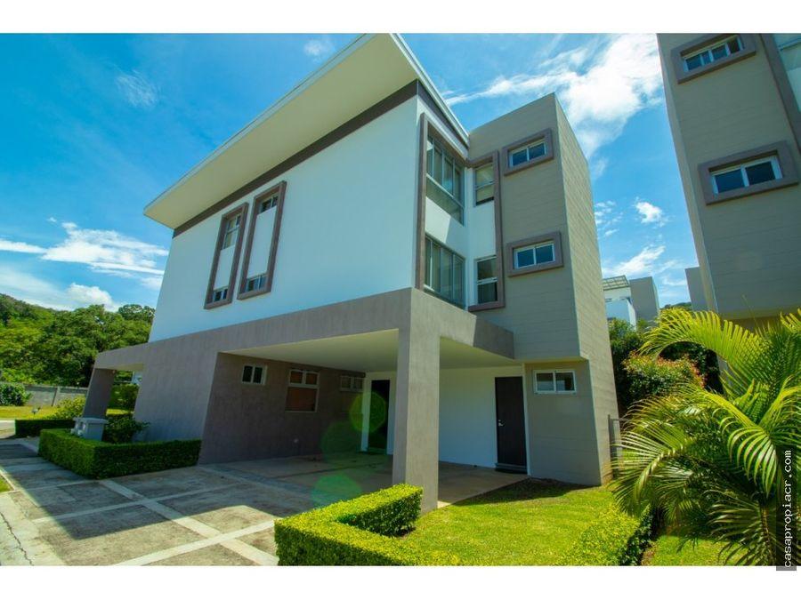 se vende casa en pozos condominio negociable
