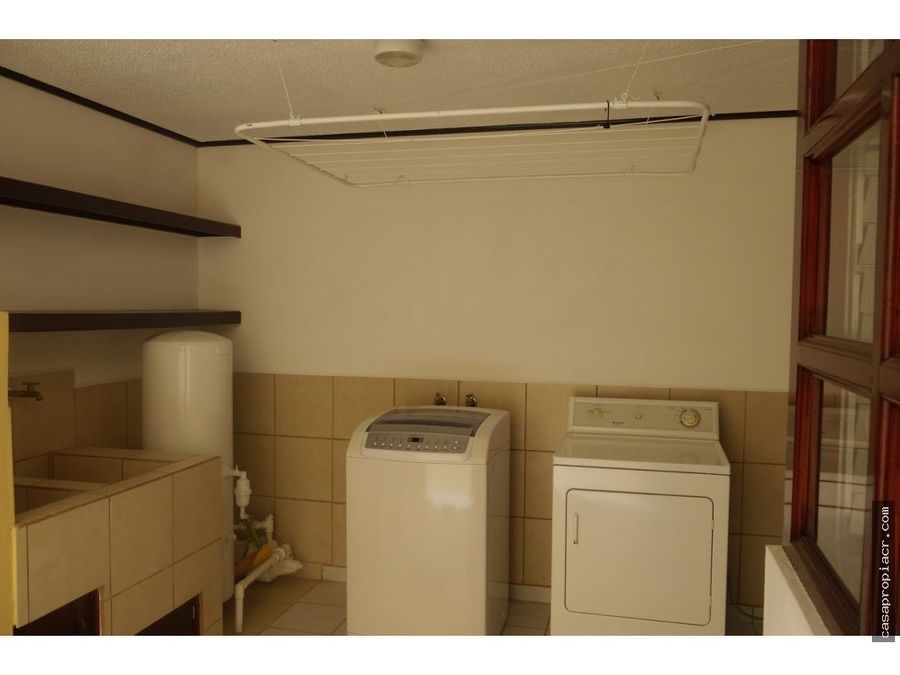 se alquila apartamento amoblado en pavas