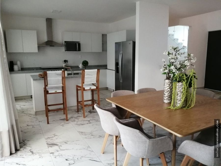 exclusiva amplia y moderna casa equipada mbal