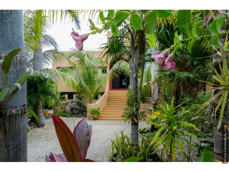 beautiful beachfront house for sale in punta sur