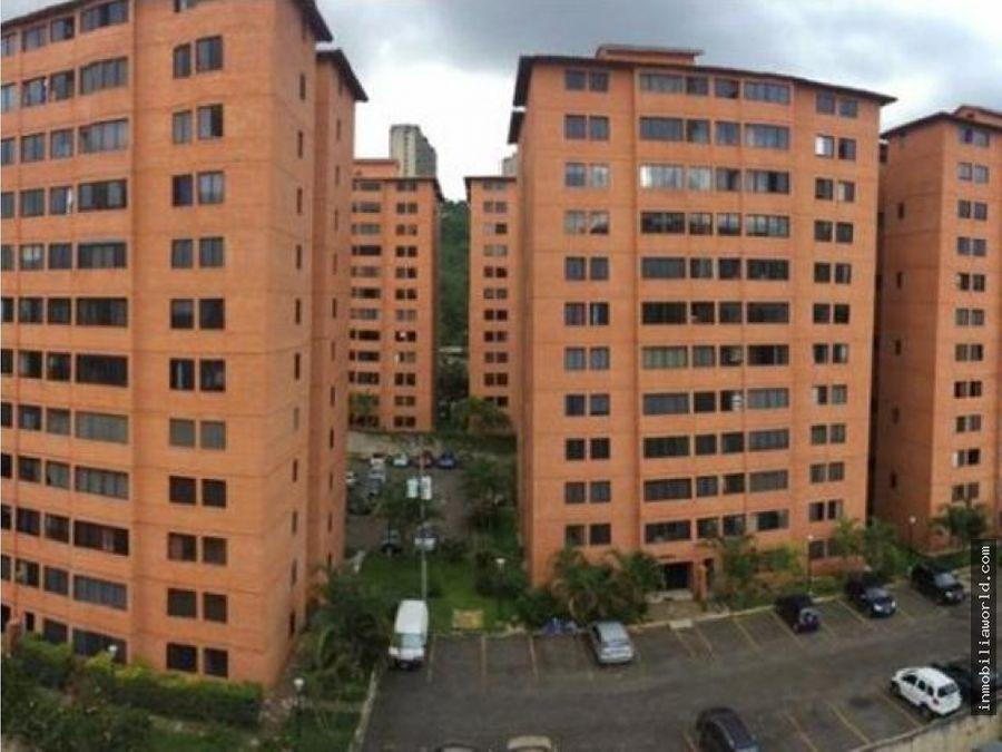 iluminado y actualizado apartamento en parque caiza