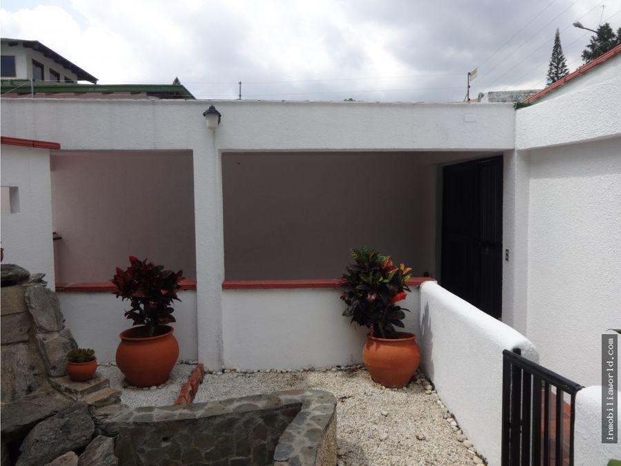 acogedora casa lomas de la trinidad