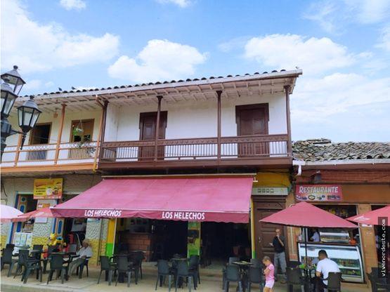 local comercial en parque principal de san roque