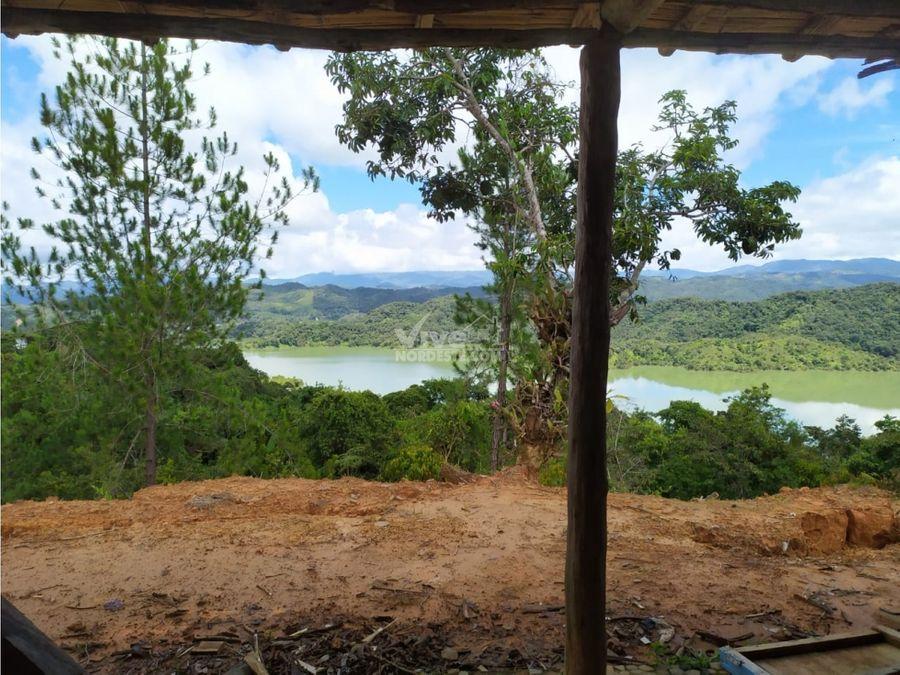 hermosa casa finca campesina con vista a la represa