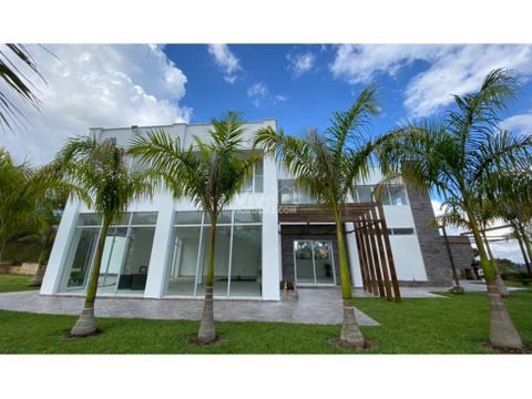 espectacular casa de lujo con 6 pesebreras