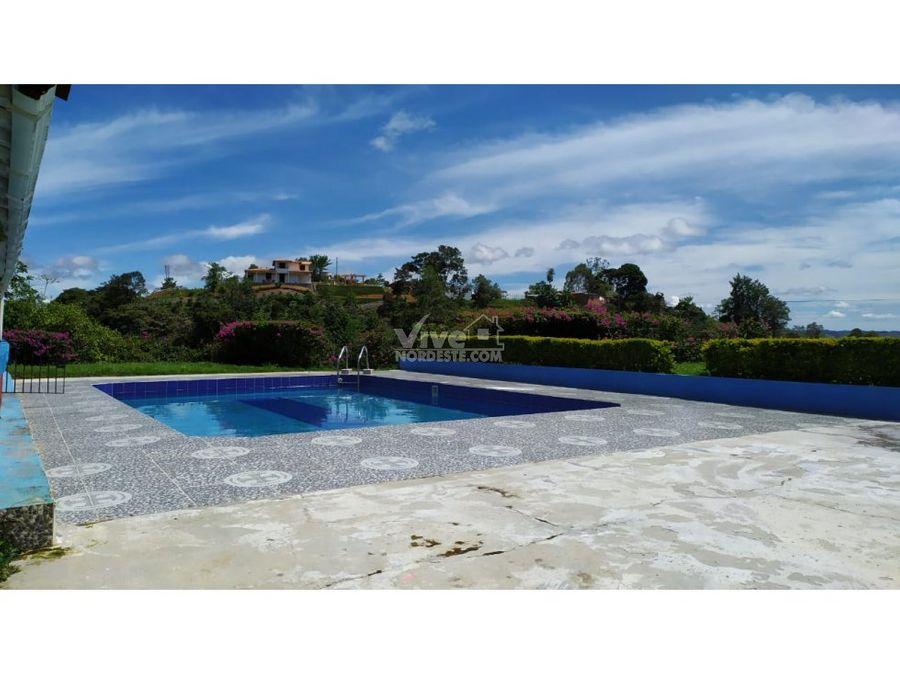 espectacular finca con piscina y lago en san roque ant
