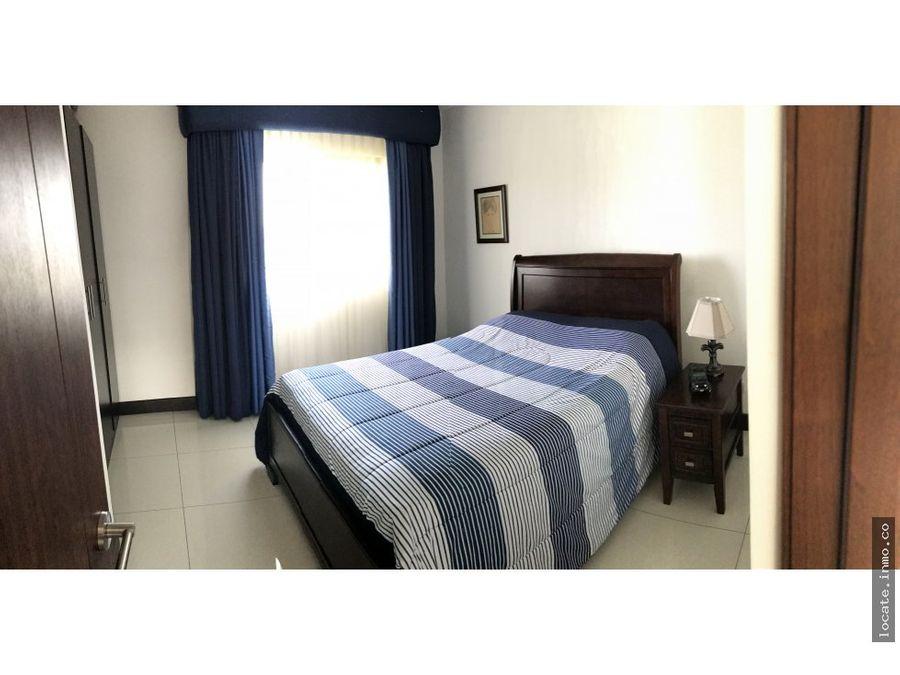casa en venta esquinera en condominio santa ana