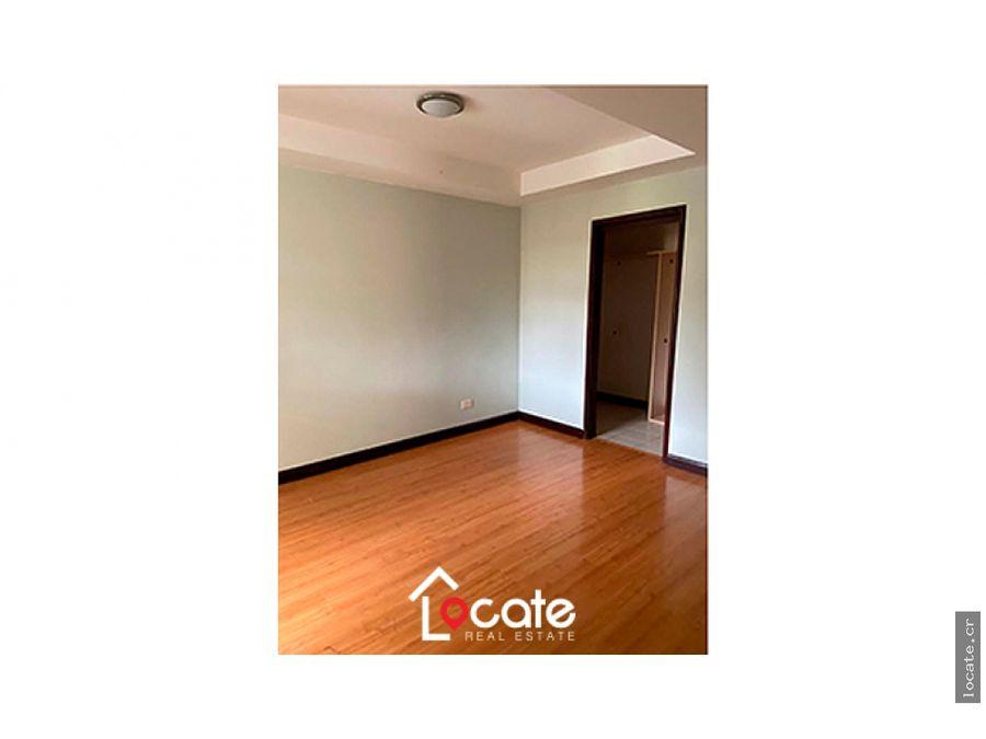 remate bancario apartamento en santa ana centro