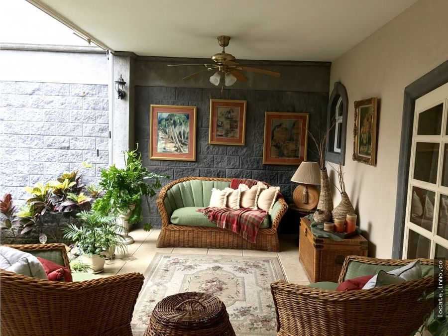 casa en venta estilo colonial rohrmoser