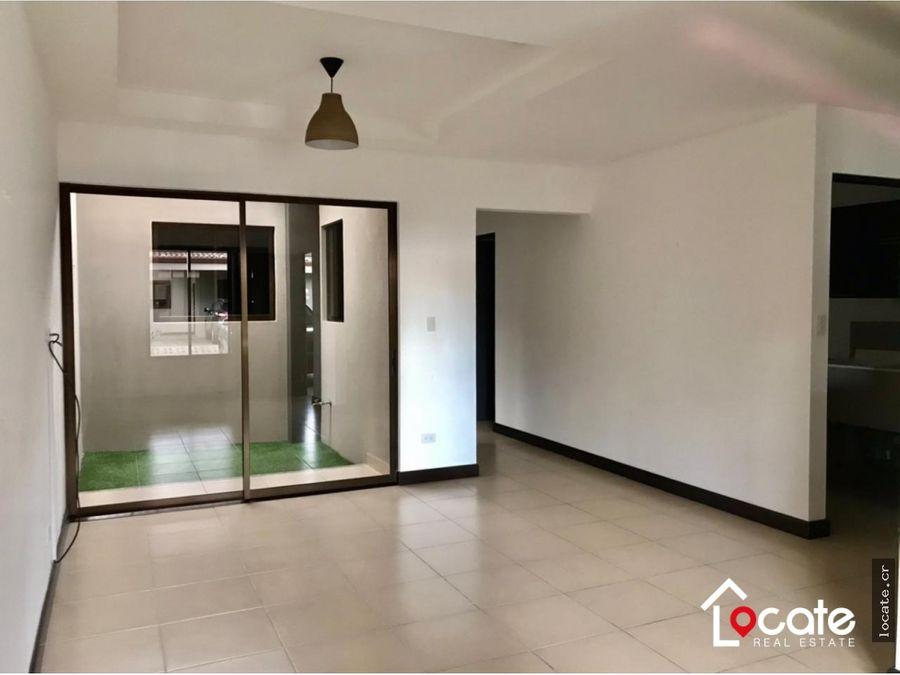 remate bancario casa de una planta en condominio