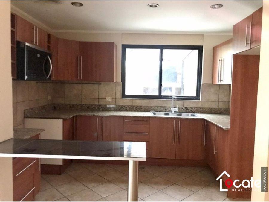 remate bancario casa con 4 habitaciones oferte