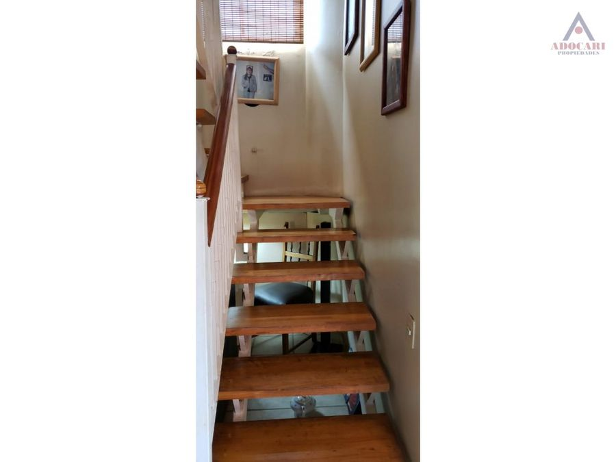 curauma avenida fundadores casa de 3 pisos