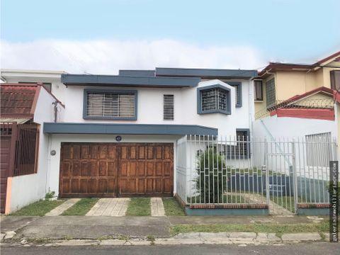 amplia casa en bonito residencial familiar