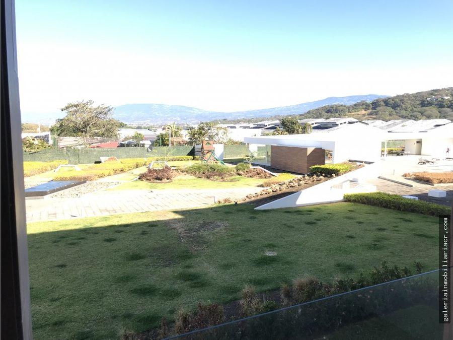 hermoso apartamento vistas a la colina