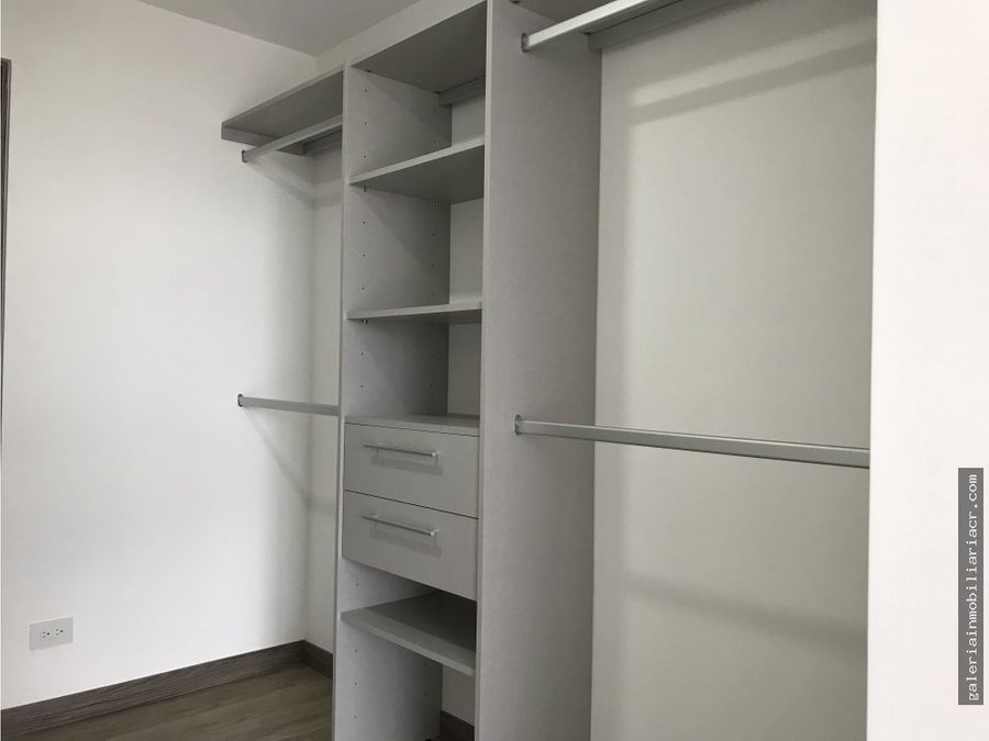 moderno apartamento con linea blanca