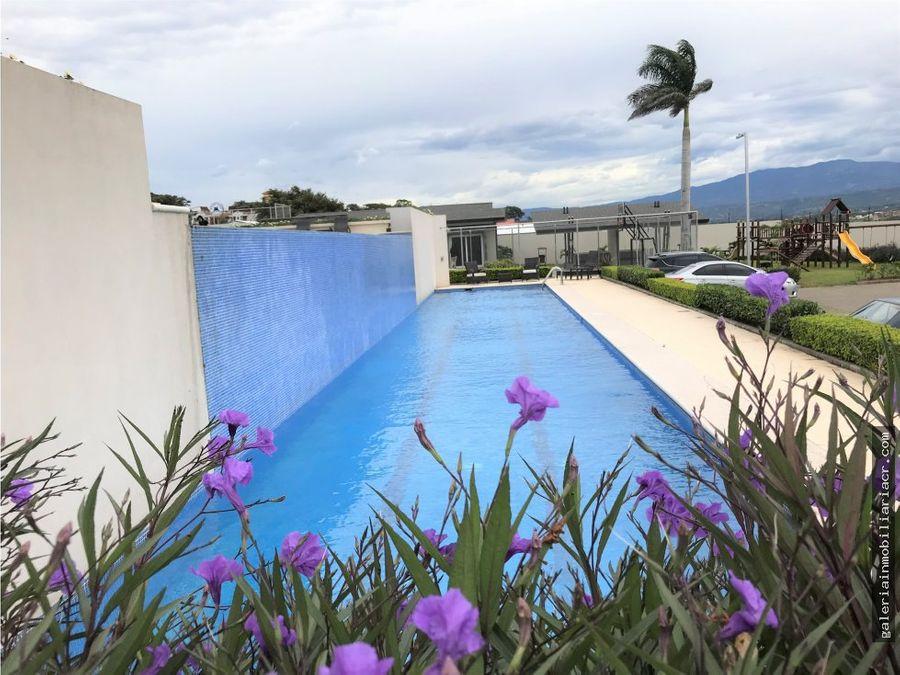 amplia casa contemporanea guachipelin rio palma