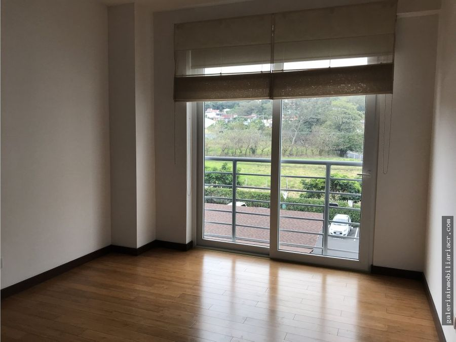 distrito cuatro bello apartamento con linea blanca