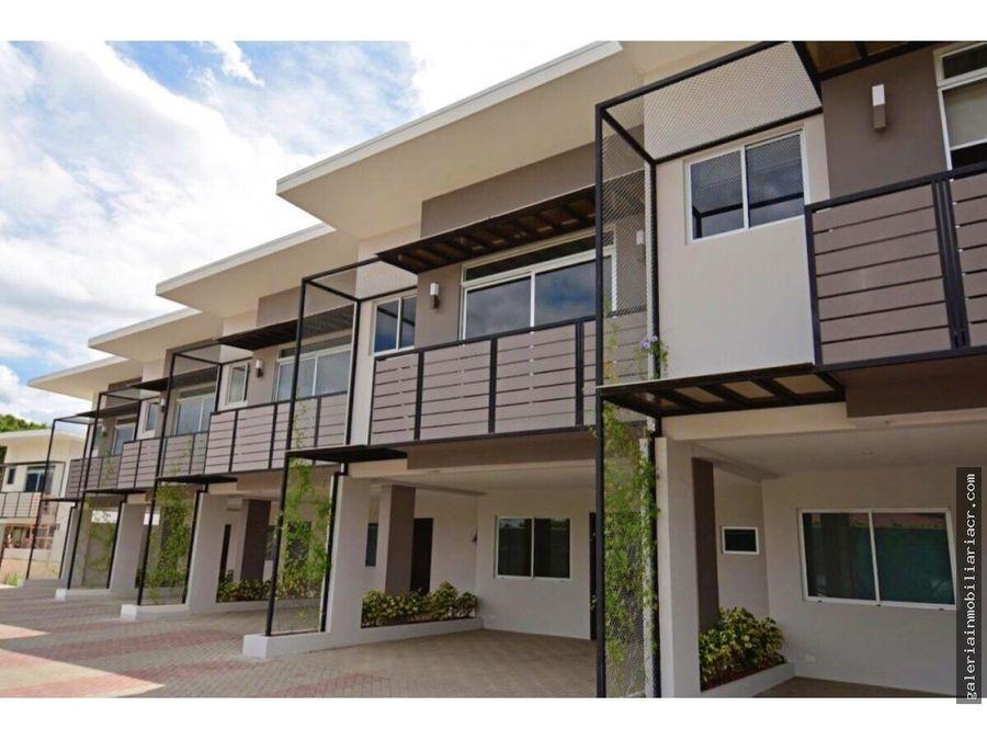 moderna casa con finos acabados solparki
