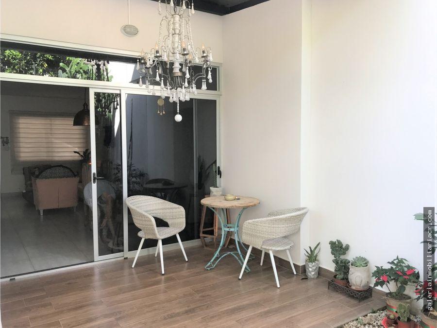 moderna casa con finos acabados
