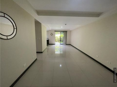 alquiler de exclusivo apartamento con linea blanca en ciudad colon