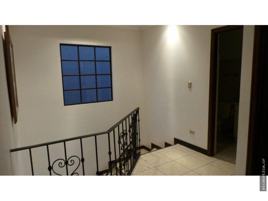 venta santa ana casa 3 habitaciones 197m2