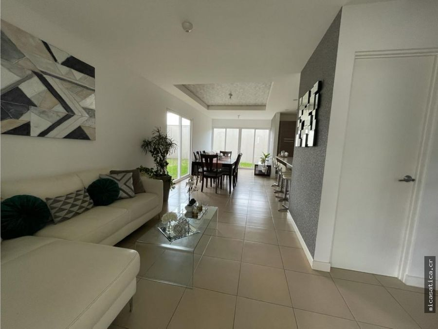venta de linda casa en ciudad colon con excelentes acabados