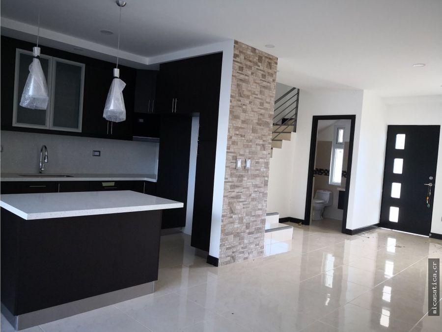 venta de casas en condominio altos del oeste