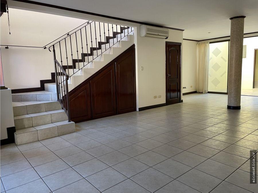 casa en alquiler 3 habitaciones condomino con amenidades lindora