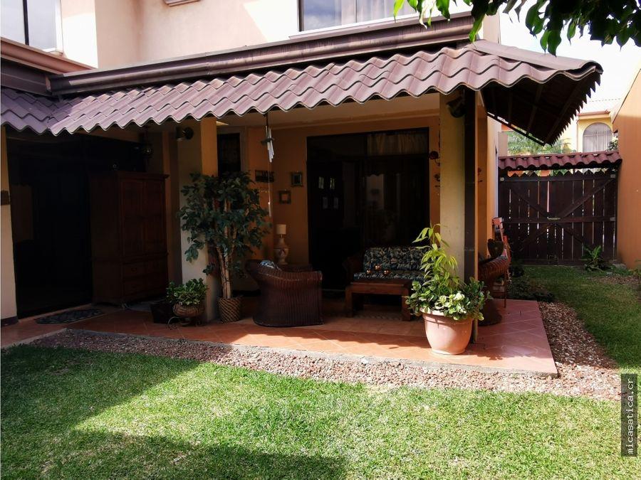 alquiler de casa 4 habitaciones en residencial tranquilo y muy seguro