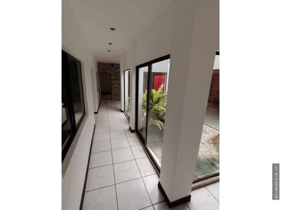 alquiler de casa 1 planta en santa ana usd1100