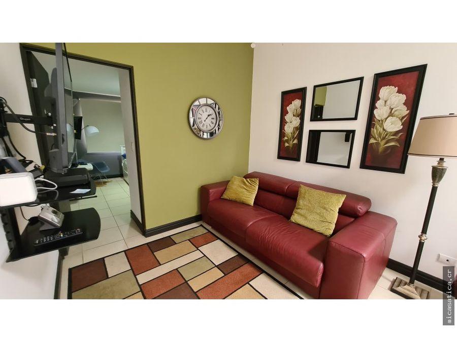 alquiler casa contemporanea 3 habitaciones full amueblado jardin