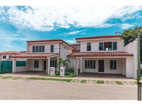 alquiler de casa en ciudad colon condominio nuevo usd 1200