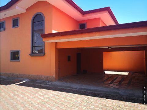 alquiler de casa en residencial montana negociable