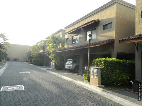venta de casas en condominio santa ana centro