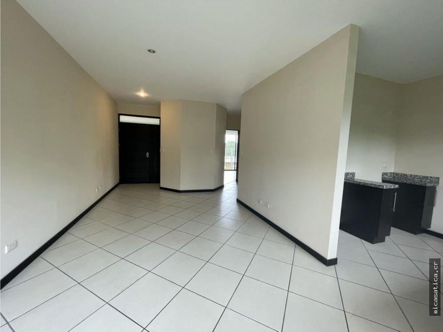 alquiler de lindo y amplio apartamento de 2 dormitorios en santa ana