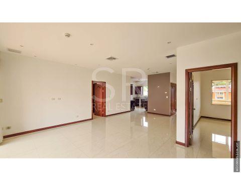alquiler apartamento en escazu 2 habitaciones 160m2 2do nivel