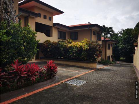 alquiler de apartamento de 2 habitaciones en santa ana centro usd 650