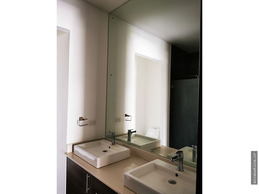aquiler de lindo y moderno apartamento en santa ana 2 habitaciones