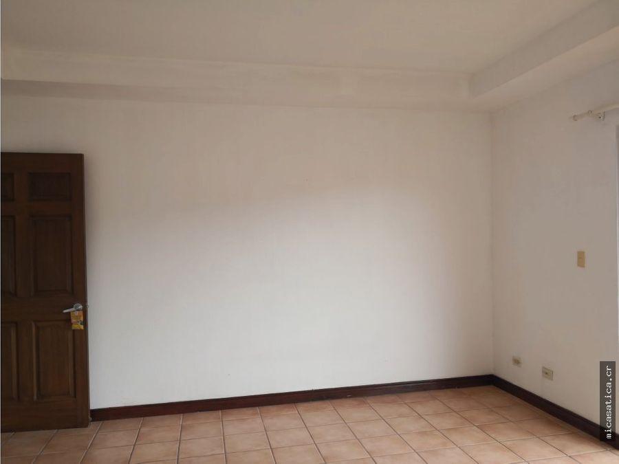 alquiler de casa en residencial montana