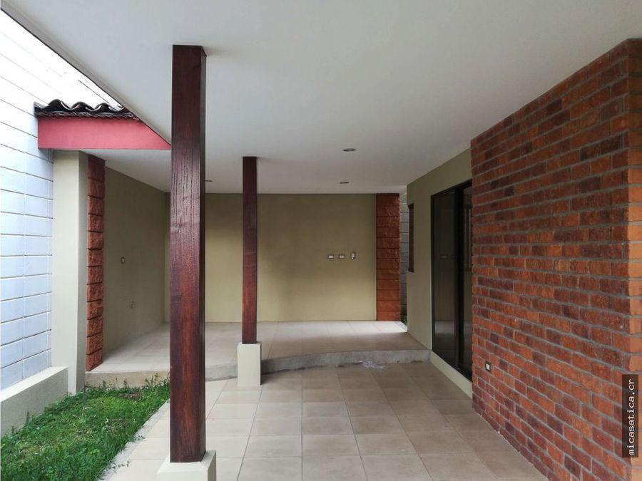 alquiler de casa en hacienda la ribera belen usd1500