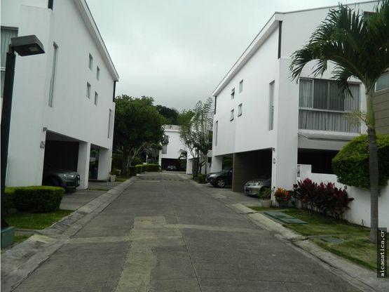 venta de casa en condominio paseo del sol