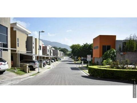 venta de casa en condominio ubicado en santa ana